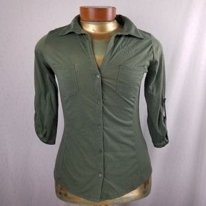 Almost Famous olive green top L